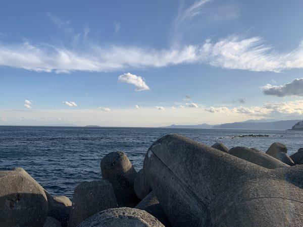 湯河原吉浜の海